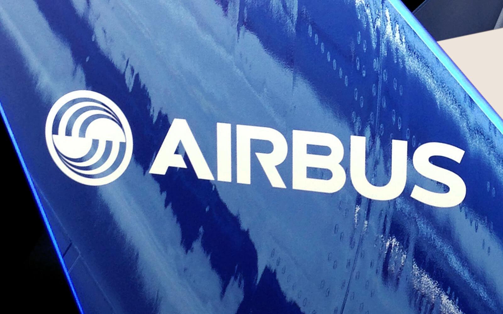 Airbus Leitwerke Lichtwerbung